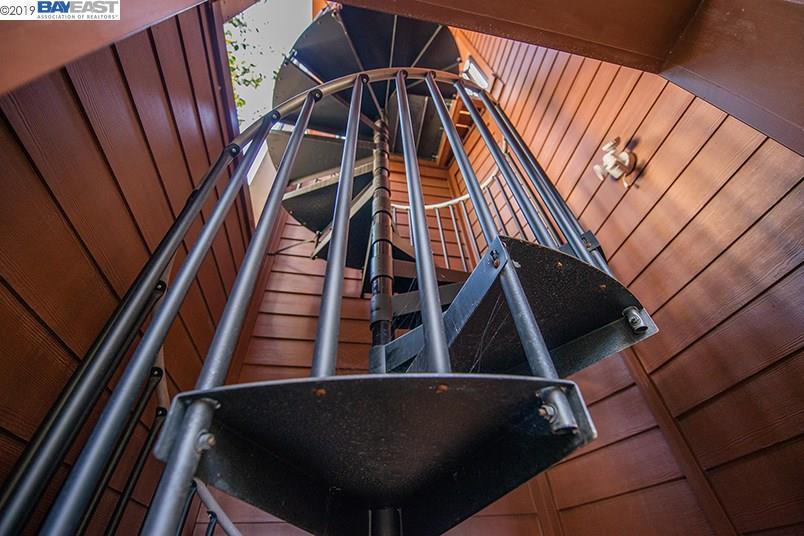 7026 DEVON WAY, OAKLAND, CA 94705  Photo