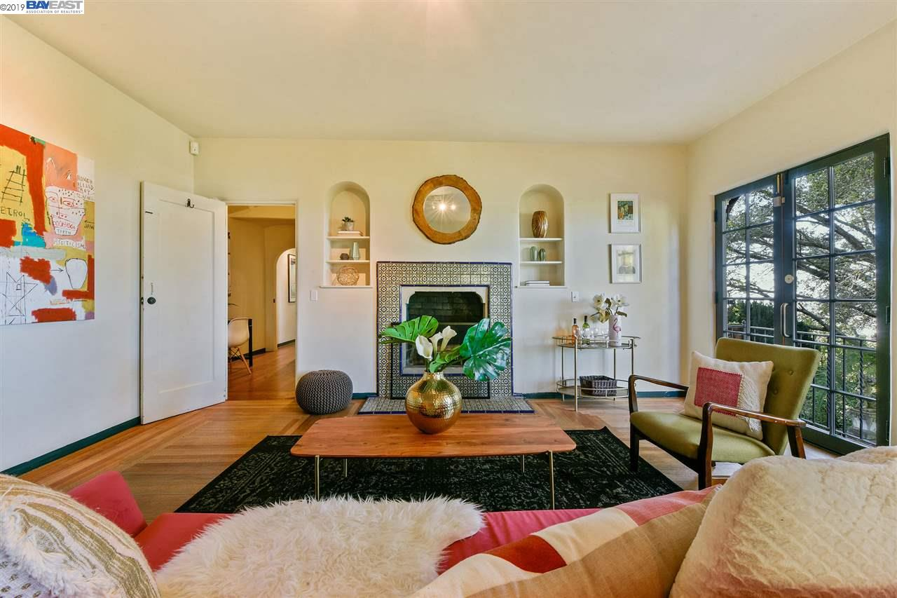 2772 HILGARD AVENUE, BERKELEY, CA 94709  Photo