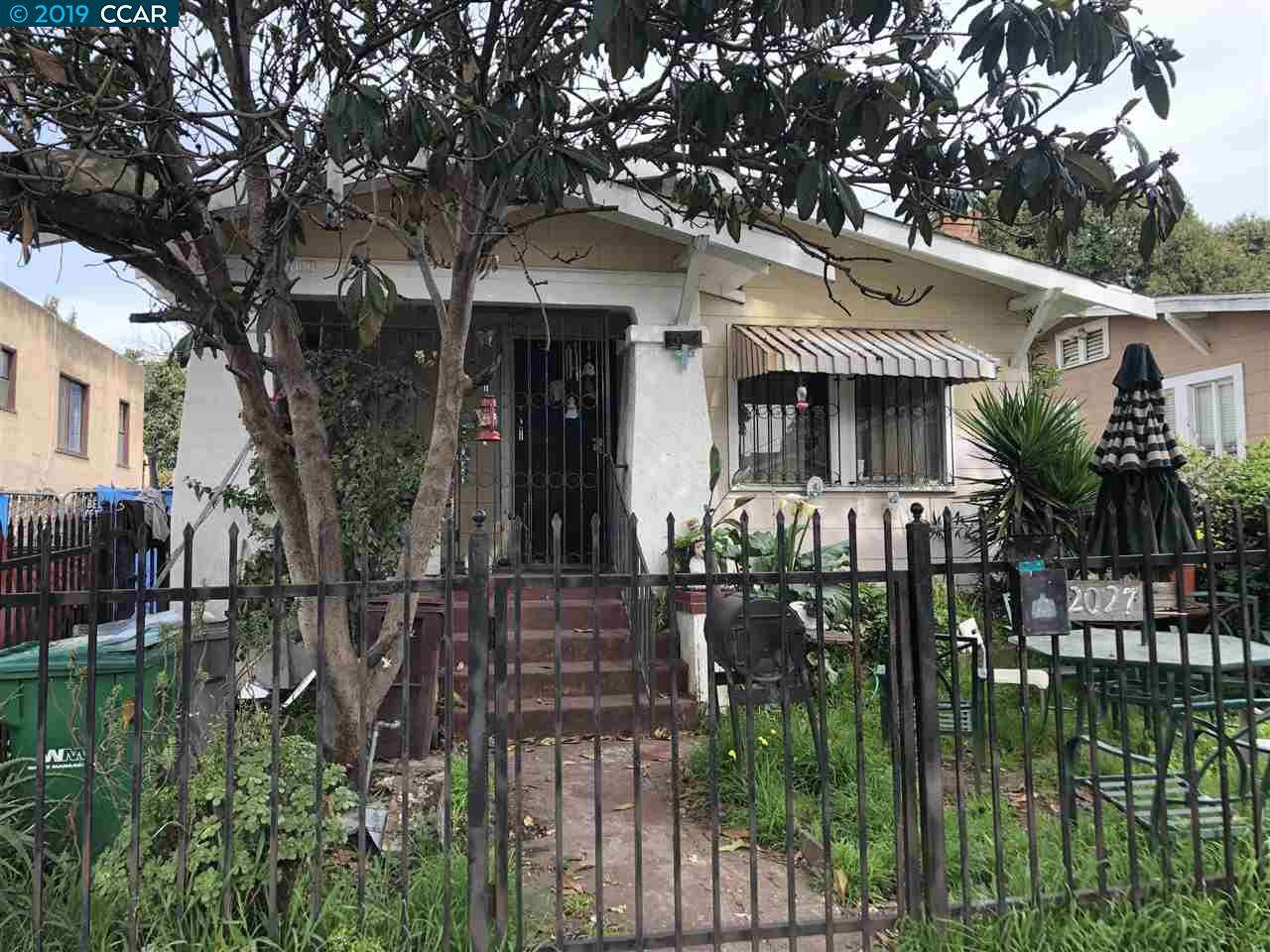 Great investment opportunity in Oakland! Charming Bungalow with second unit in back. Needs some TLC but could be a gem! Buyer to verify zoning and use. Bring all offers!