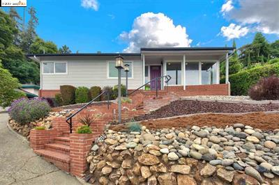 Photo of  7410 Hillmont Dr Oakland 94605