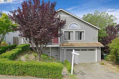 Photo of  23001 Lakeridge Ave Hayward 94541