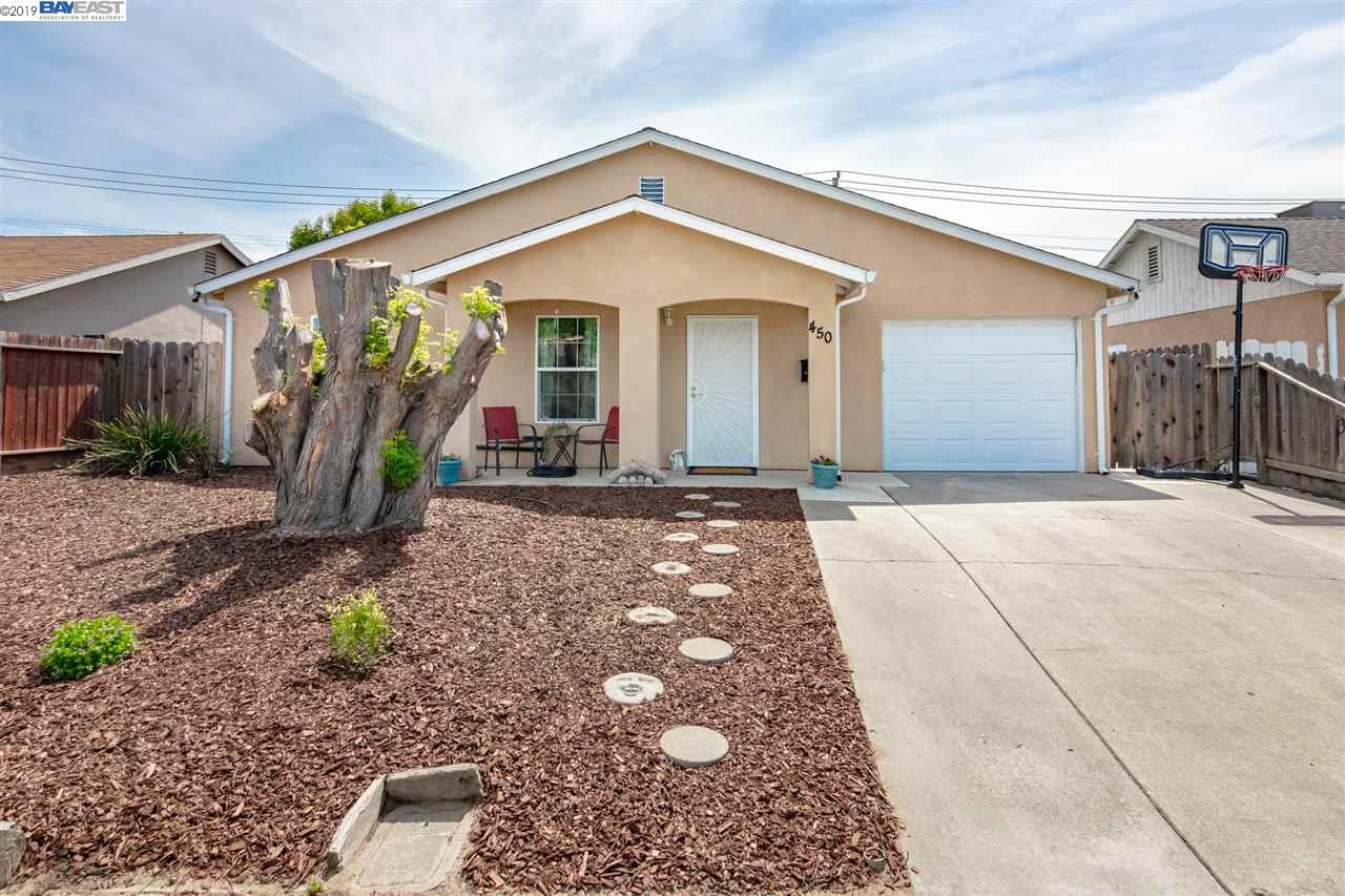 Detail Gallery Image 1 of 23 For 450 Chestnut Ave, Manteca, CA, 95336 - 3 Beds | 2 Baths