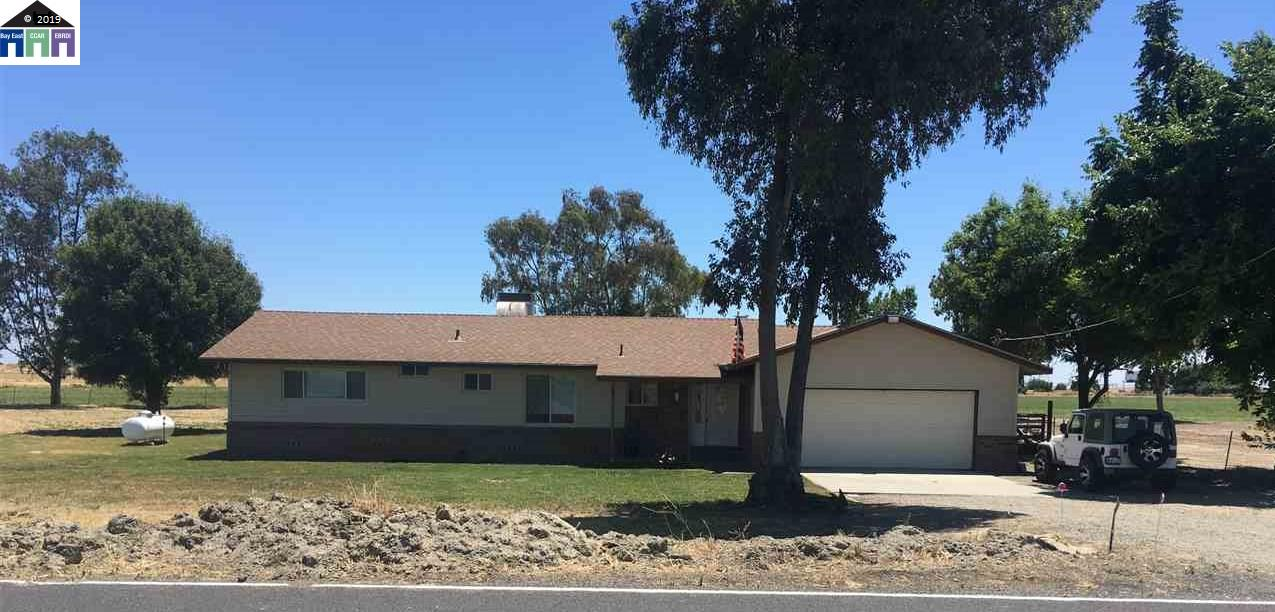 3454 W Berry Tracy, California 95304, 3 Bedrooms Bedrooms, 8 Rooms Rooms,2 BathroomsBathrooms,Residential,For Sale,3454 W Berry,40871515