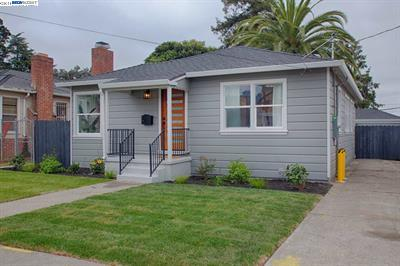 Photo of  7609 Halliday Ave Oakland 94605