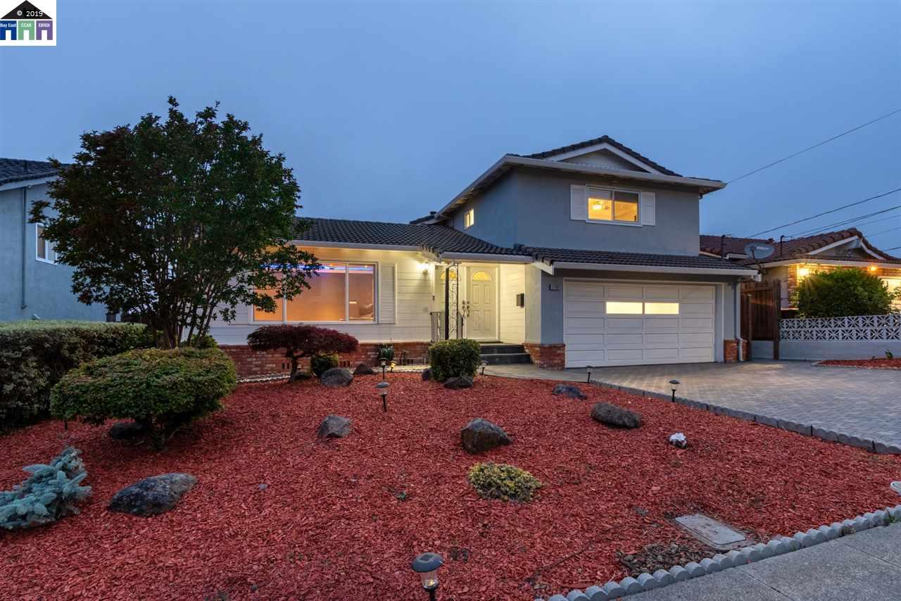 17901 Beardsley St Castro Valley, CA 94546
