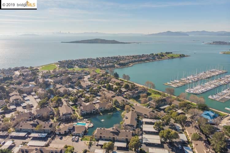 238 Marina Lakes Dr Richmond, CA 94804