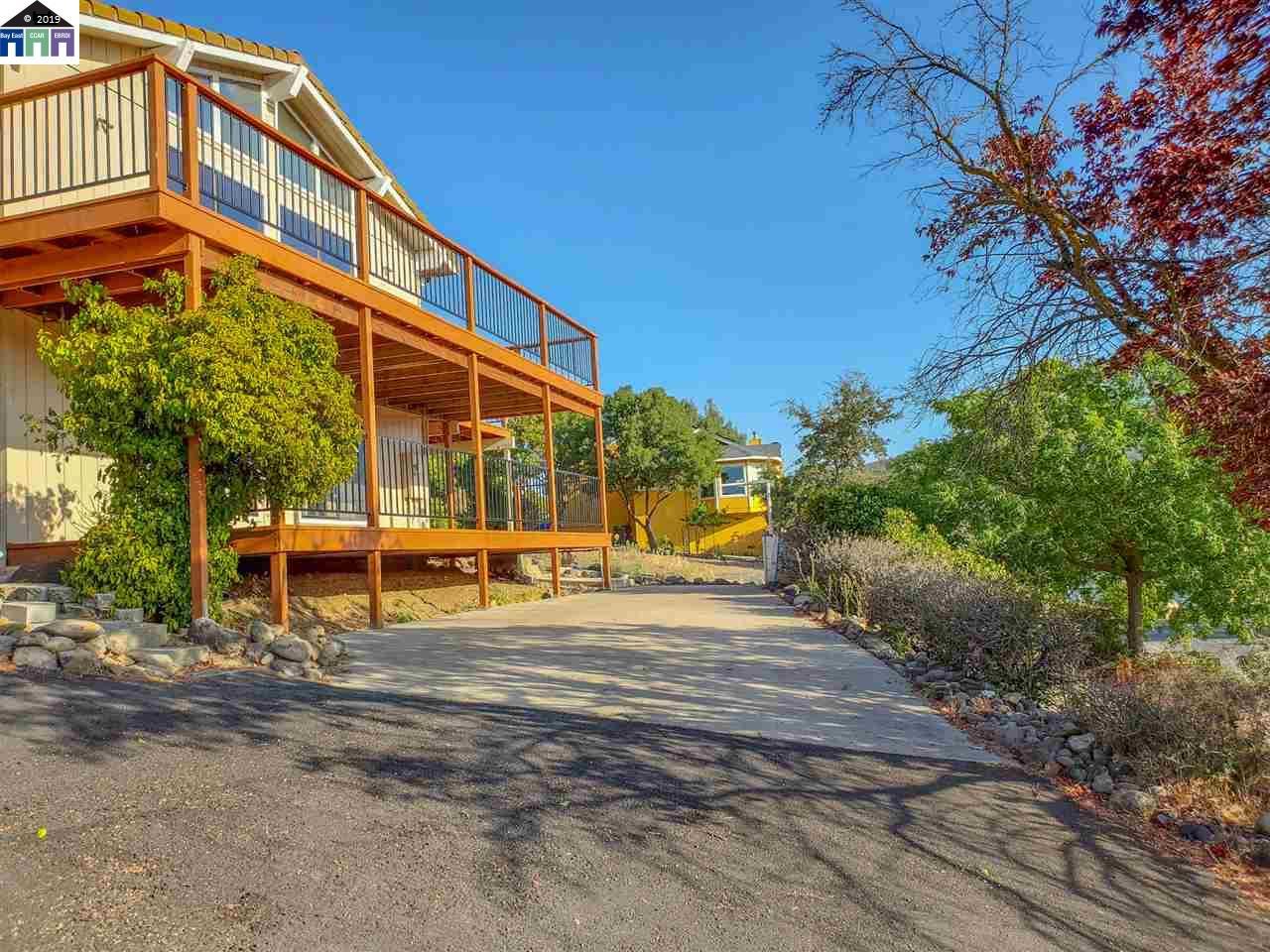 591 Poker Flat Road Copperopolis, CA 95228