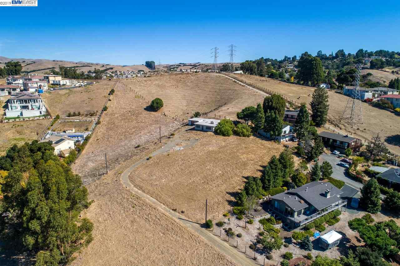24830 Fairview Ave Hayward, CA 94588