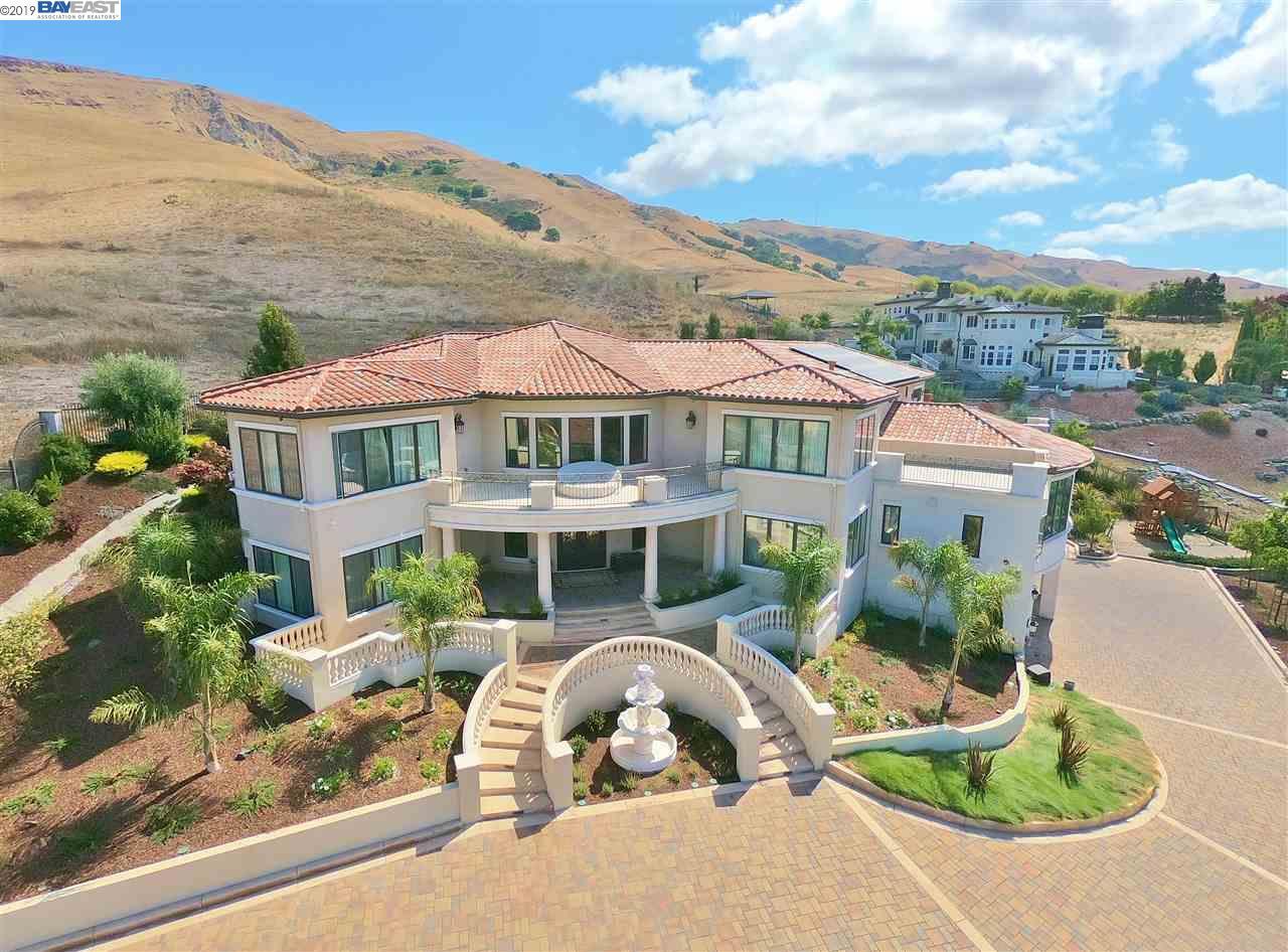 44529 Vista Grande Court Fremont, CA 94539-3224