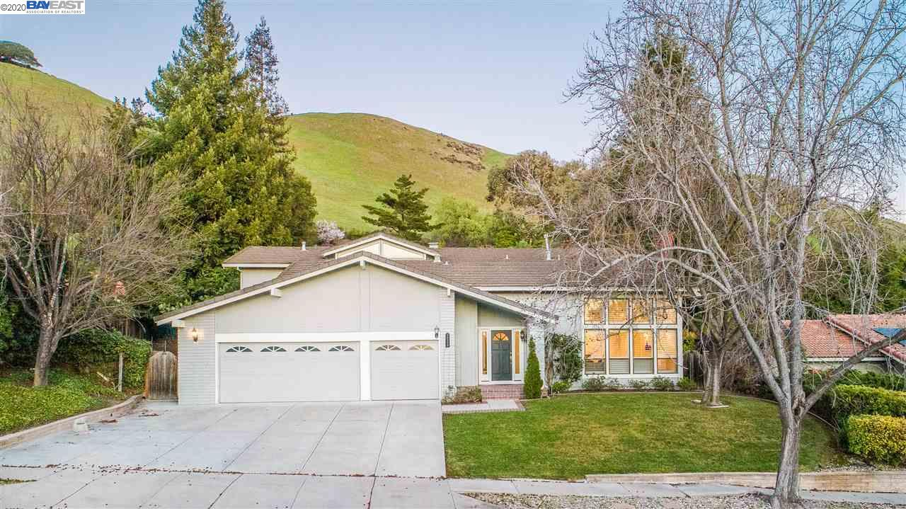 40400 Canyon Heights Dr Fremont, CA 94539