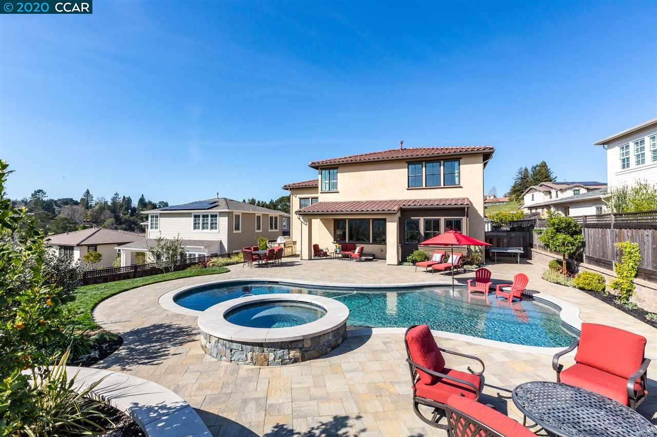 180 Willowbrook Ln Moraga, CA 94556