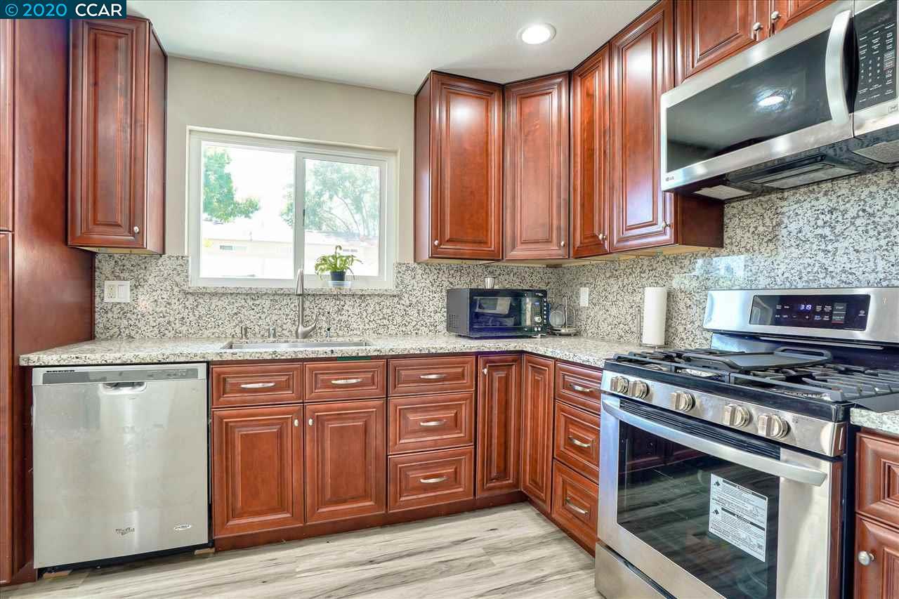 3689 Woodbine Way Pleasanton, CA 94588