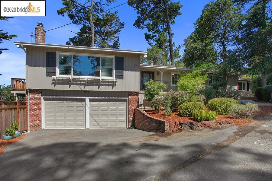 8495 Pine Hills Dr Oakland, CA 94611
