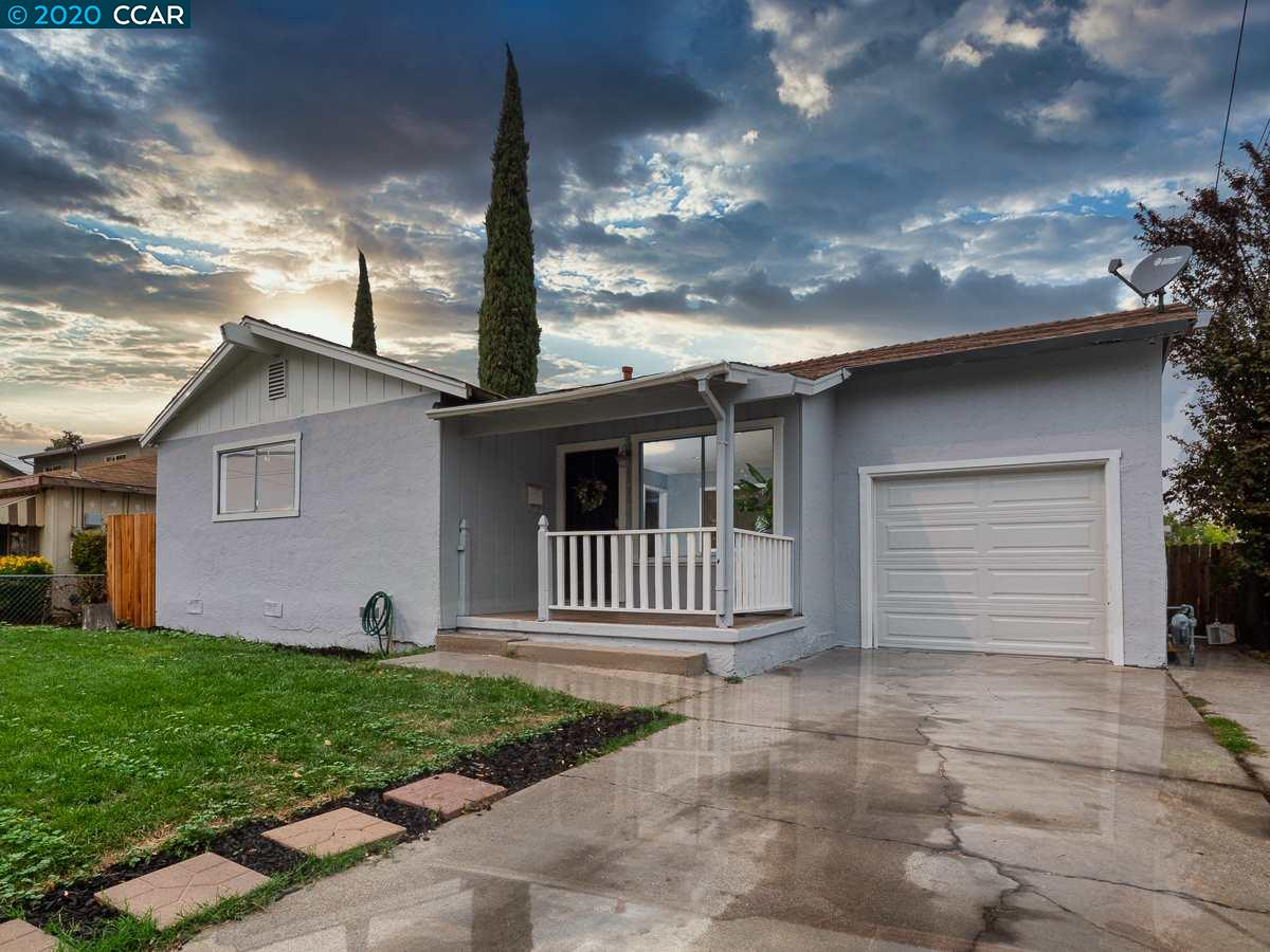 Wow! Adorable and affordable in Pittsburg! You won't want to miss this little darling! Updated and ready to go, this 3 bedroom 1 bath charmer has many updates including, new flooring, updated kitchen with lovely quartz island, tile back splash, built in microwave, gas range and more. Gorgeous remodeled bathroom with w/ free standing vanity and new fixtures. The location is equally incredible! Walk to Central Pittsburg E-Bart, Shopping and City Park. Wonderful gem in the heart of Pittsburg. Don't miss it!