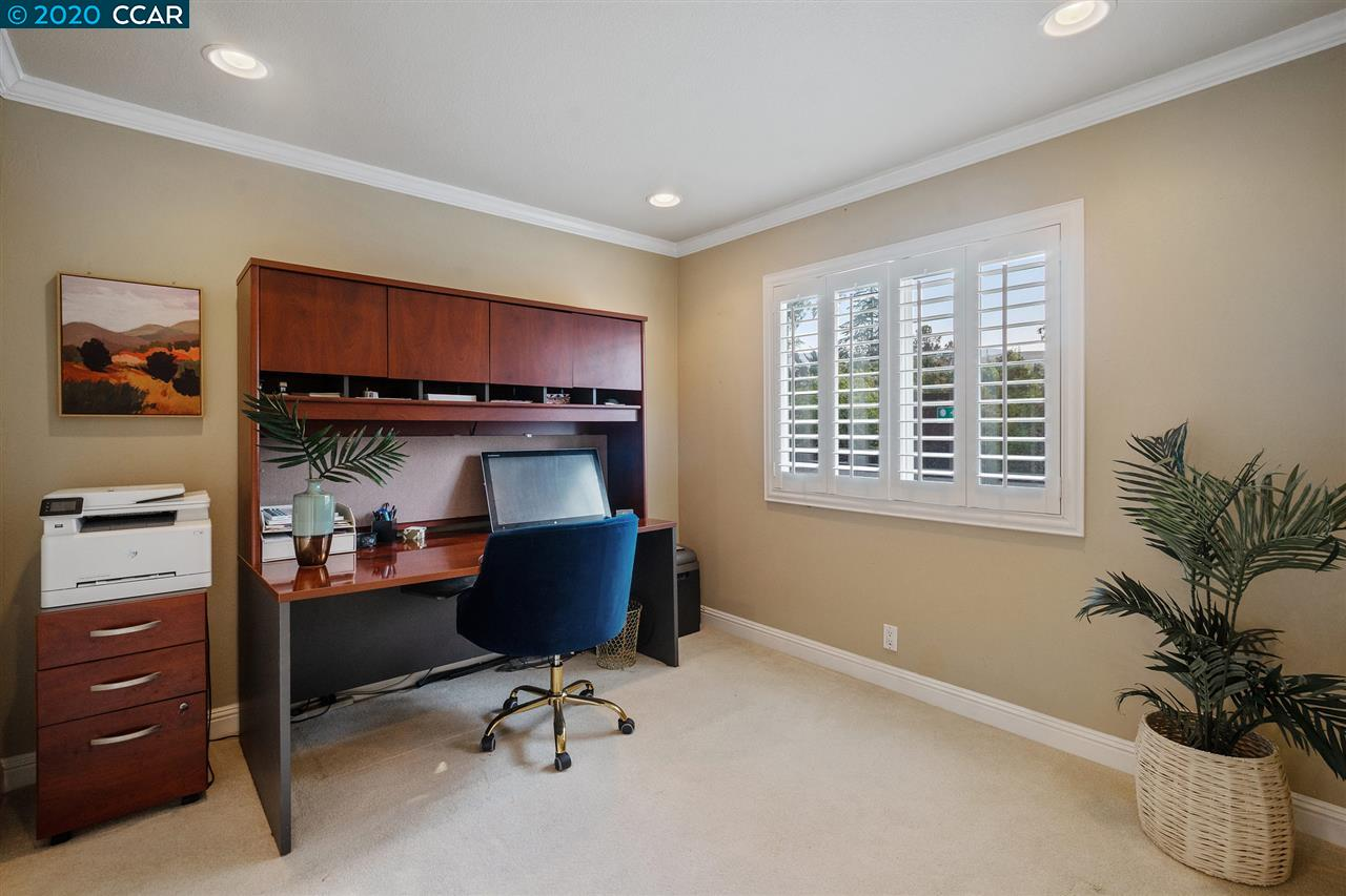 Fourth Bedroom or Office!