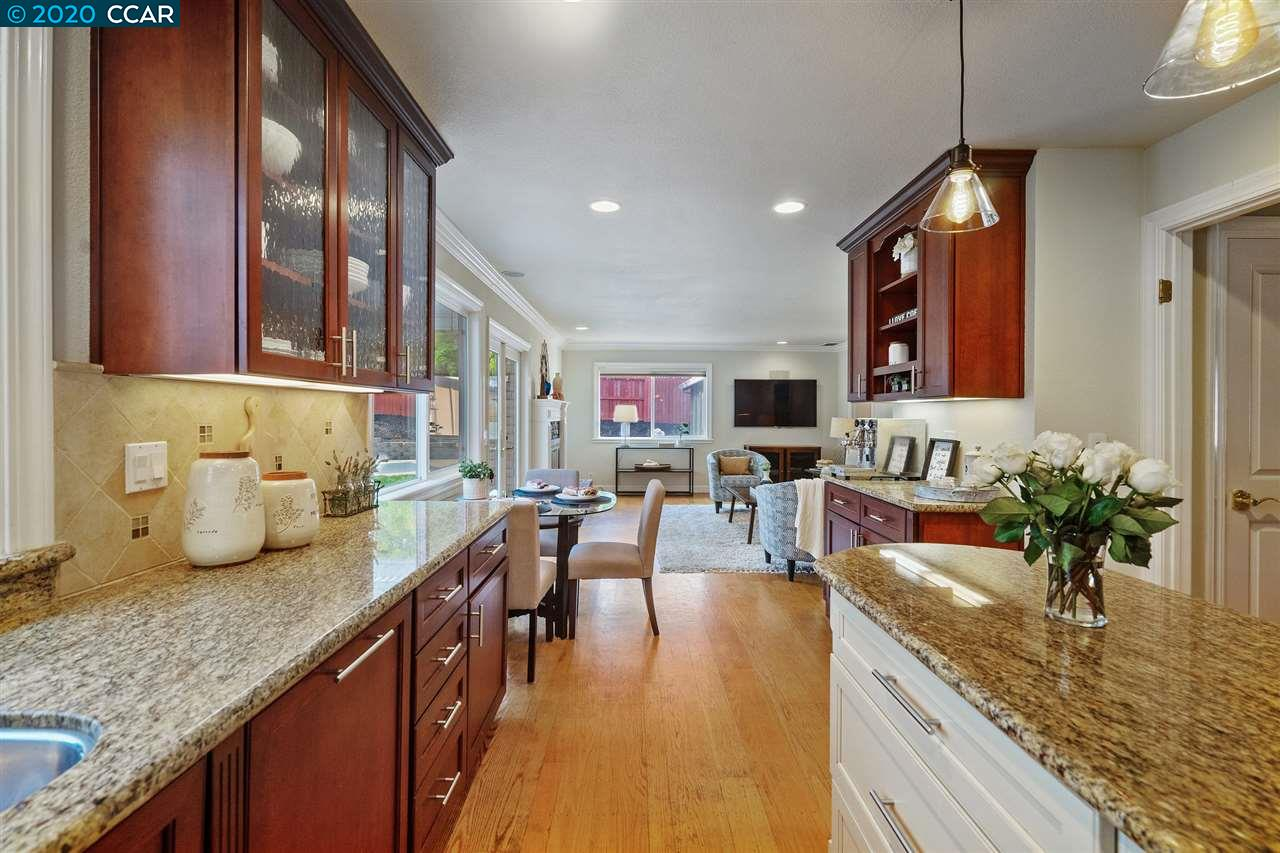 Stainless Steel Appliances & Slab Counters!