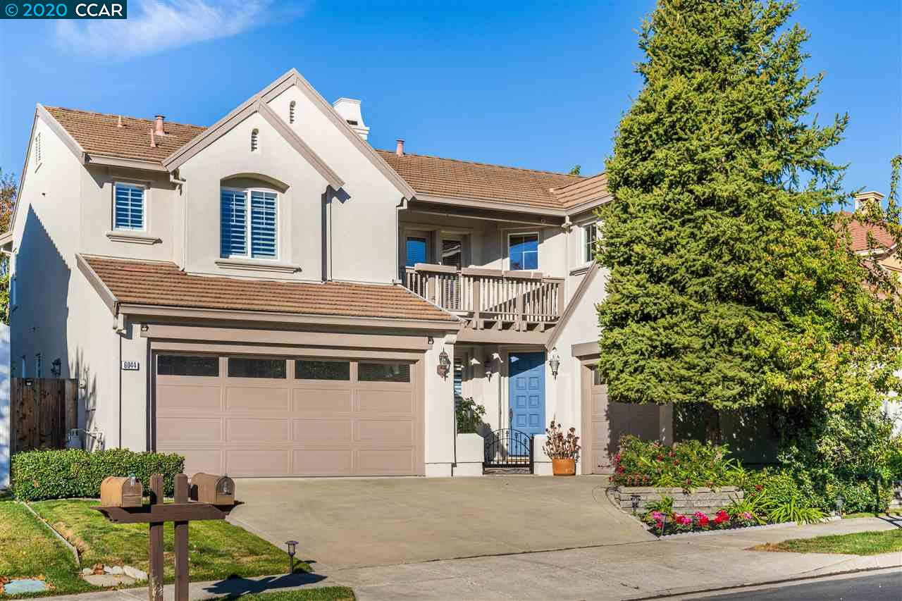 Located in the desirable Bridges community, this updated Tacoma floorplan w/ panoramic golf course views is sure to impress! This beautiful home offers a formal living & dining room, soaring high ceilings, upstairs loft, hardwood & tile flooring. The spacious sun filled kitchen feat a large granite island & wraparound countertops, SS appliances, built-in 5-burner cooktop, built-in double ovens & walk-in pantry. The kitchen opens up to the gorgeous family room w/ cozy fireplace & stunning backyard views. Desirable downstairs bedroom & full bath is perfect for your home office or guest room. The luxurious master bedroom suite is large in size & offers a spa-like master bath w/ tub, walk-in shower, double vanities & large walk-in closet. Overlooking The Bridges Golf Course, enjoy these fabulous sunset views on the covered patio w/ built-in bbq, perfect for entertaining w/ family & friends. Conveniently located near parks, recreation, City Center & w/in the top-rated SRV school district.