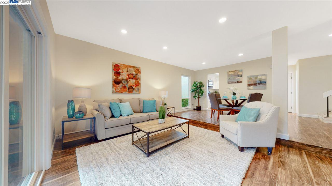 Detail Gallery Image 1 of 33 For 201 Flynn Ave #8,  Mountain View,  CA 94043 - 2 Beds | 1/1 Baths