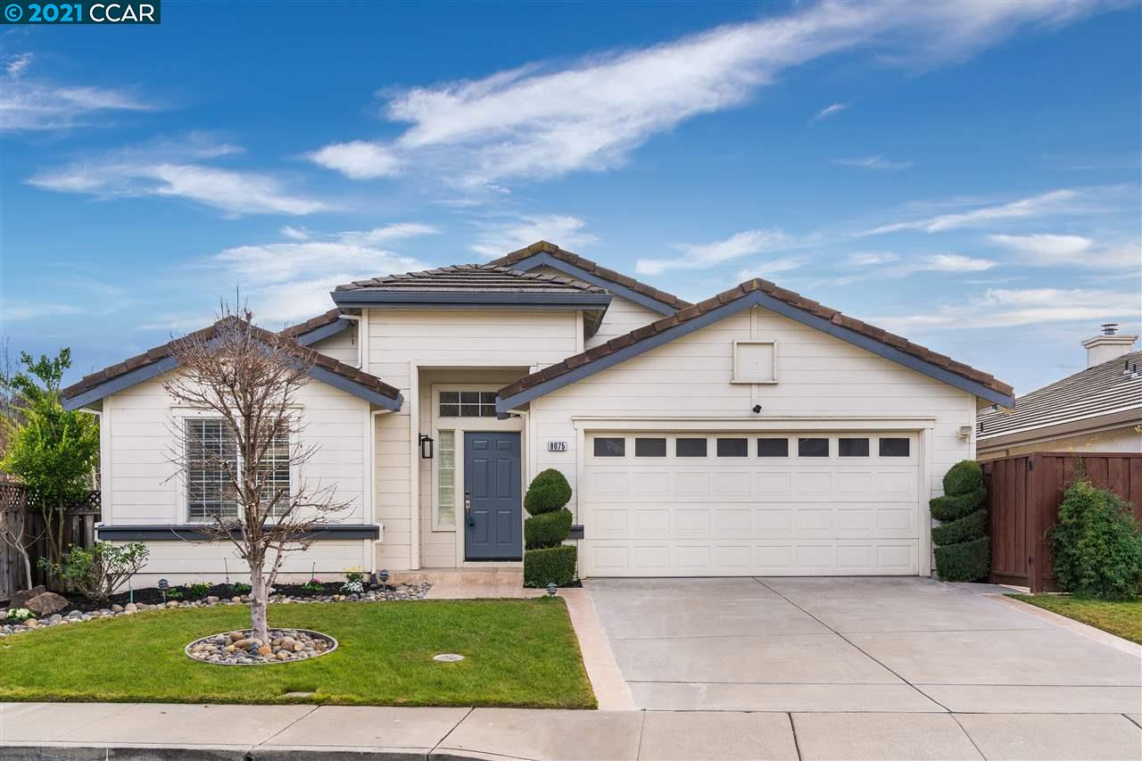 Located in the popular Canyon Creek neighborhood, this stunning home offers a modern floor plan with hardwood floors, plantation shutters and an abundance of natural light. The beautifully appointed chef's kitchen offers refinished cabinetry, built-in stainless steel appliances, large island, pantry and breakfast nook. Relax and enjoy the open kitchen/family room combo complete with cozy fireplace. The generously sized master bedroom suite includes a spa-like bathroom complete with double vanities, walk-in shower, soaking tub and a large walk-in closet. Venture downstairs to an additional amazing bonus room and three spacious bedrooms and a shared full bath. Step outside and enjoy the serene backyard with a spacious deck and patio, perfect for entertaining with family and friends. Located near top rated schools, walking distance to parks and easy access to freeways & BART.