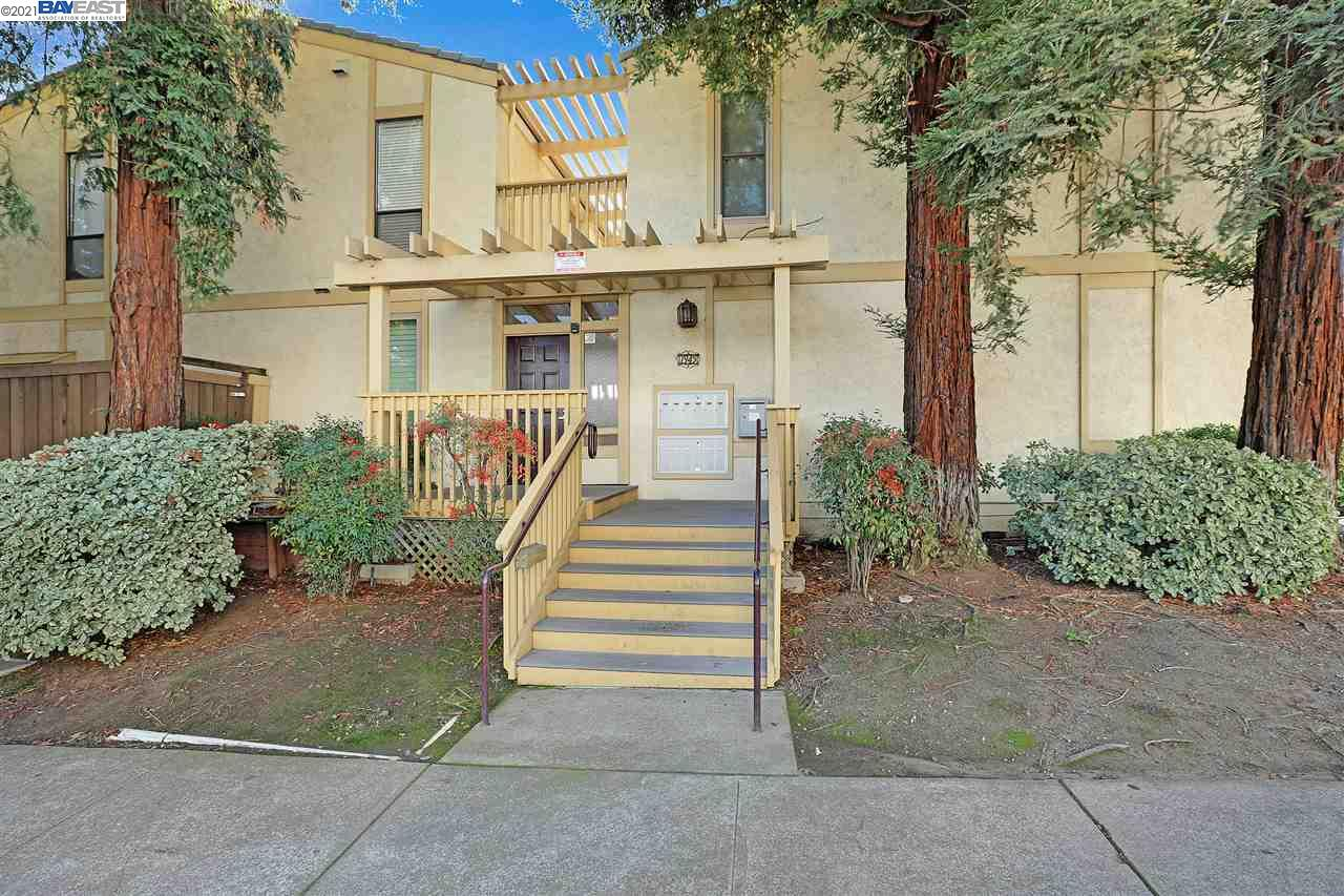 Detail Gallery Image 1 of 1 For 1945 Trinity Ave #8,  Walnut Creek,  CA 94596 - 2 Beds | 2 Baths
