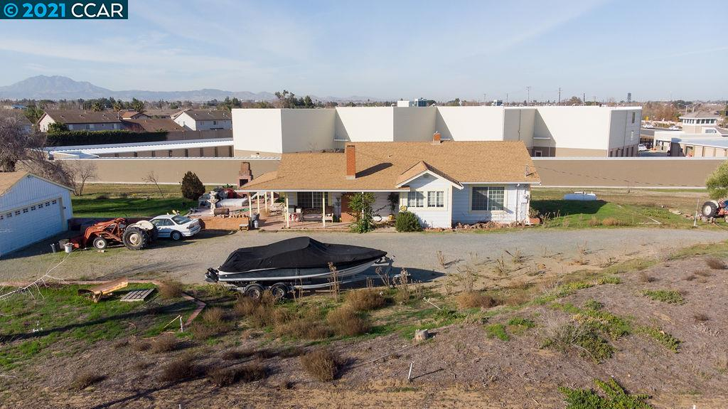 211 E Cypress Rd, OAKLEY, CA 94561