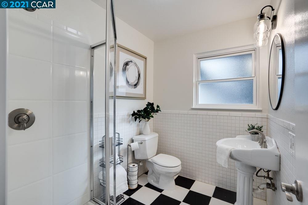 Full Bathroom (down the hall)