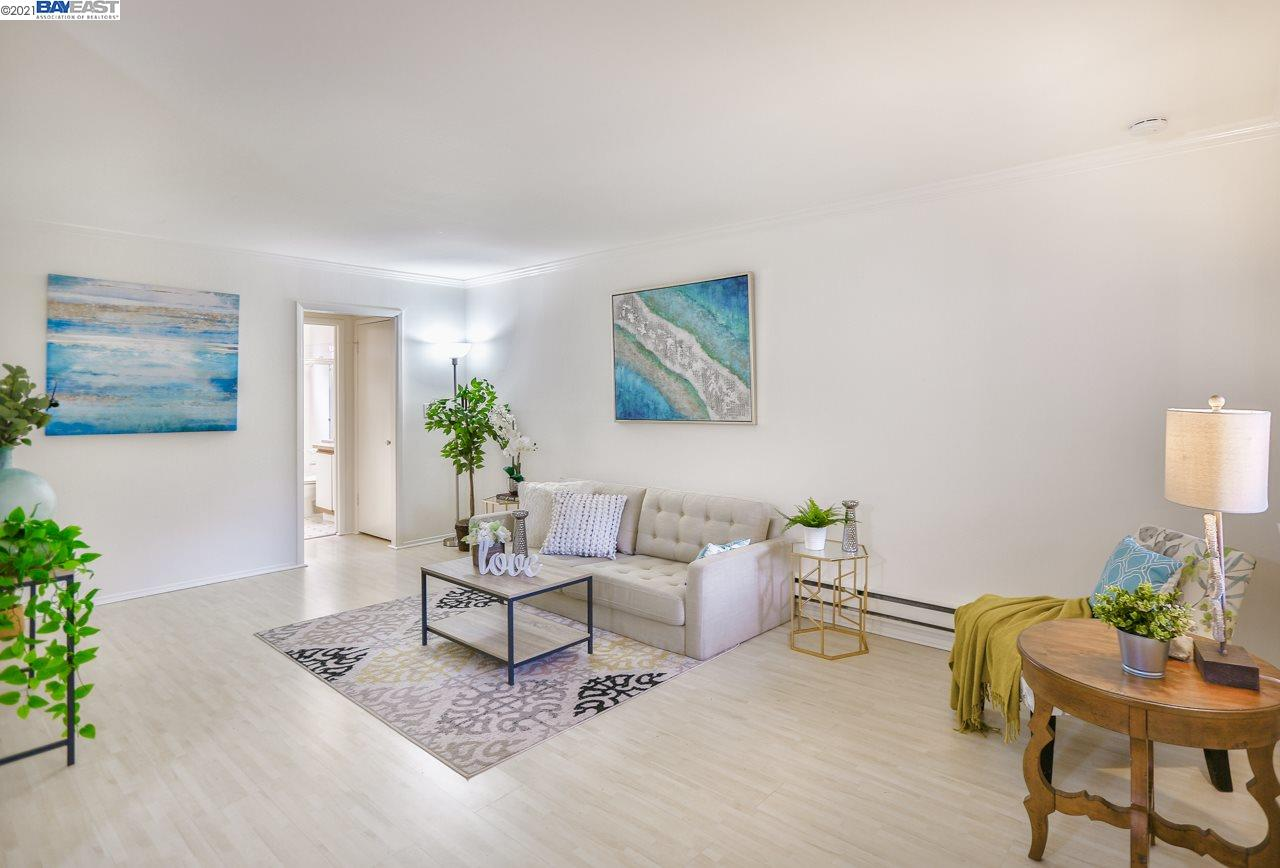 Detail Gallery Image 1 of 12 For 2025 California St #23,  Mountain View,  CA 94040 - 1 Beds | 1 Baths