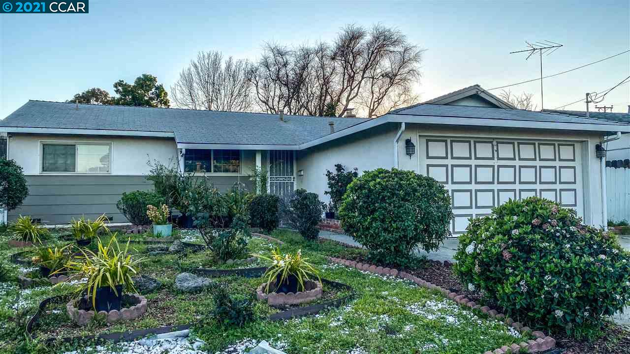 Don't miss out on this large home with a great potential. Open floor plan with great room with fireplace. Conveniently located near shopping centers, transportation and schools. Turn this into your dream home.