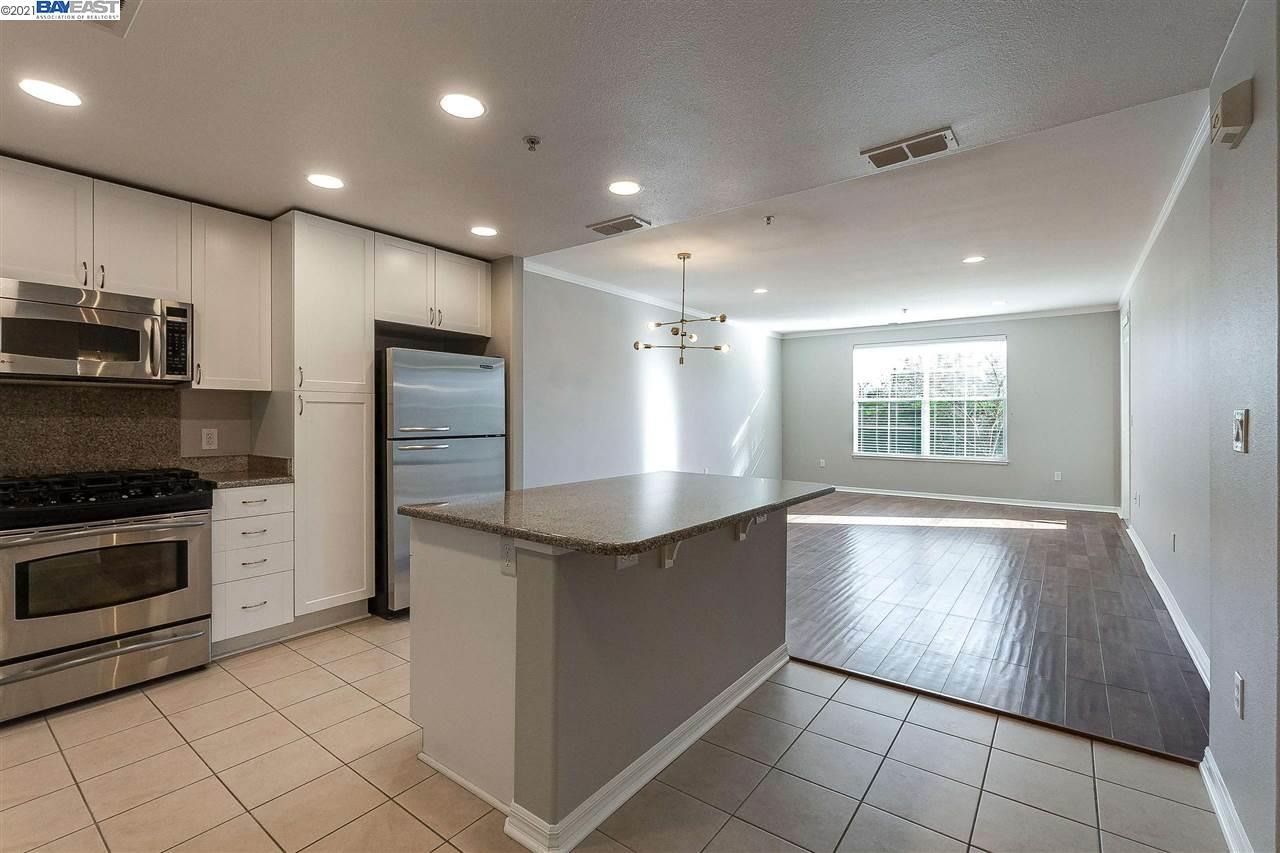 Detail Gallery Image 1 of 40 For 3901 Lick Mill Blvd #109,  Santa Clara,  CA 95054 - 1 Beds | 1 Baths