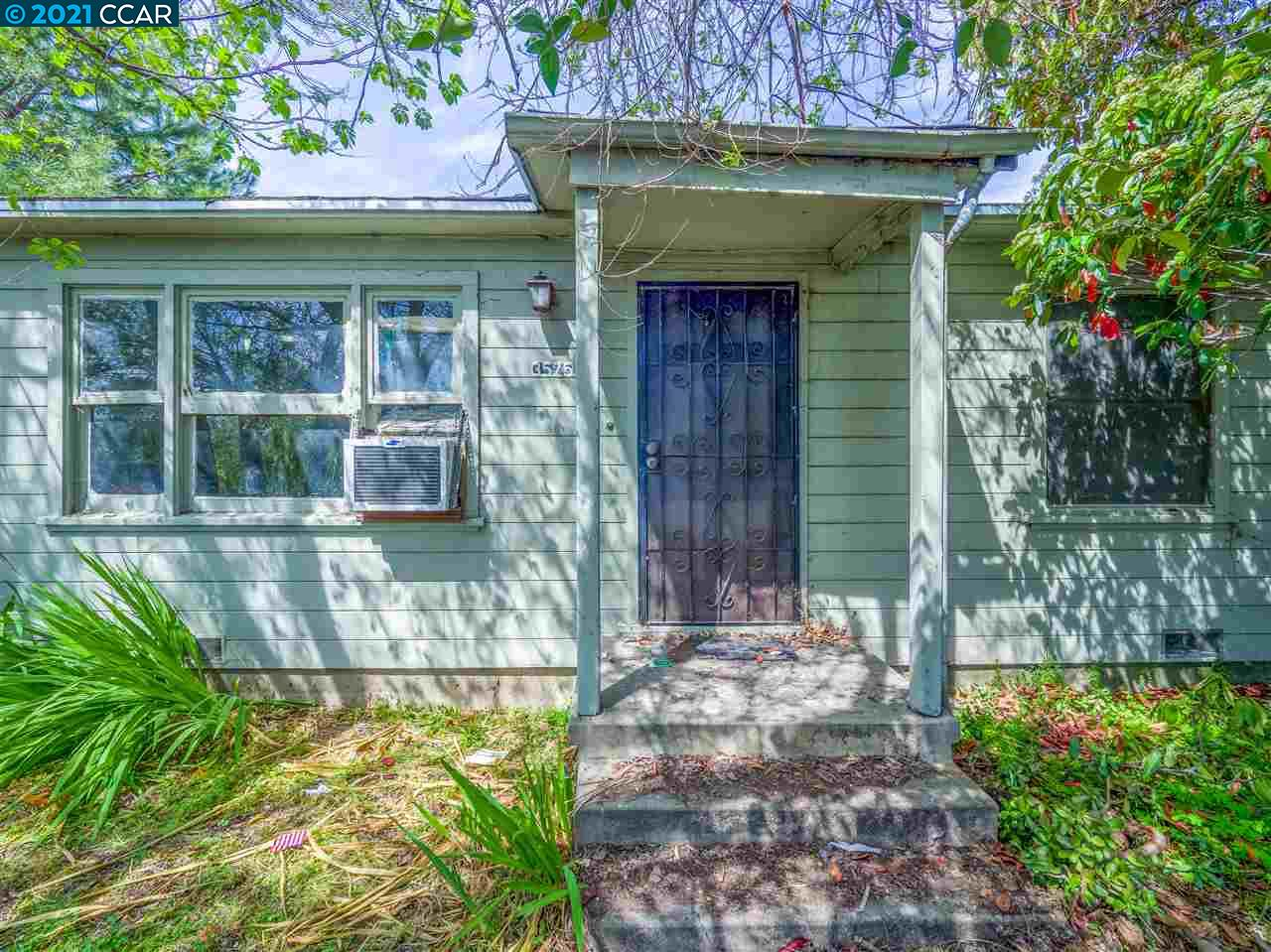 Incredibly rare opportunity in one of Concord's most convenient locations! Bring your contractor and your vision to this 2 bedroom 1 bath with detached garage on over a 1/2 acre lot! Tons of possibilities, build your dream home, explore development options or create a multi family compound all within walking distance to BART, freeways, Starbucks, shopping, schools and all the potential development coming to Concord. This is a once in a lifetime opportunity and will go fast!