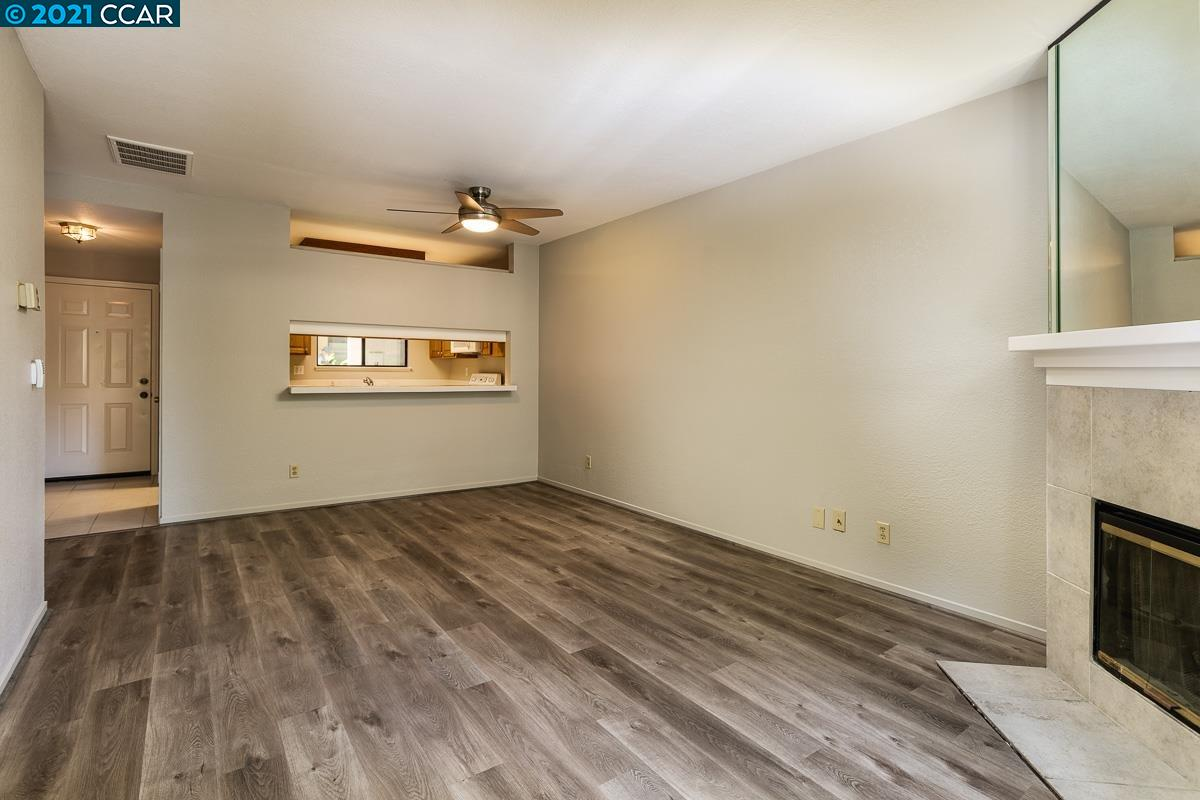Great updated starter condo in fabulous, close-to-downtown Walnut Creek location. Level-in unit, laminate flooring, updated kitchen, indoor laundry, fantastic fireplace and rear patio. Enjoy Walnut Creek's restaurants, shopping and trails.
