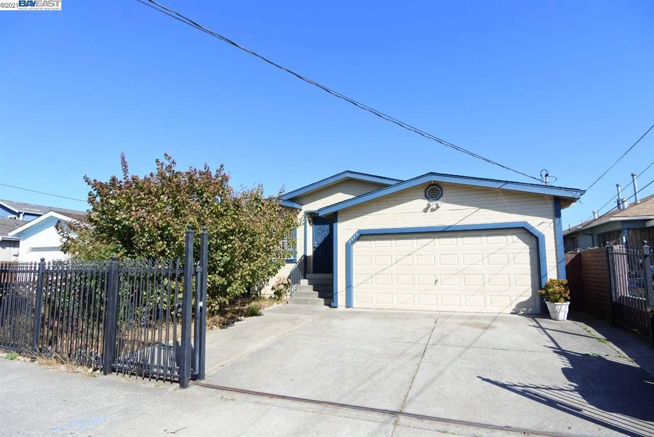 This is real property manufacture house located in the heart of San Pablo. Perfect starter home or investment property. Conveniently located 0.4 miles away from supermarket and restaurants. 0.6miles away from Contra Costa College. 2 miles away from Hilltop Mall. Easy access to highway 80 and 580. Only 20 miles to San Francisco. Walking distance to bus station.