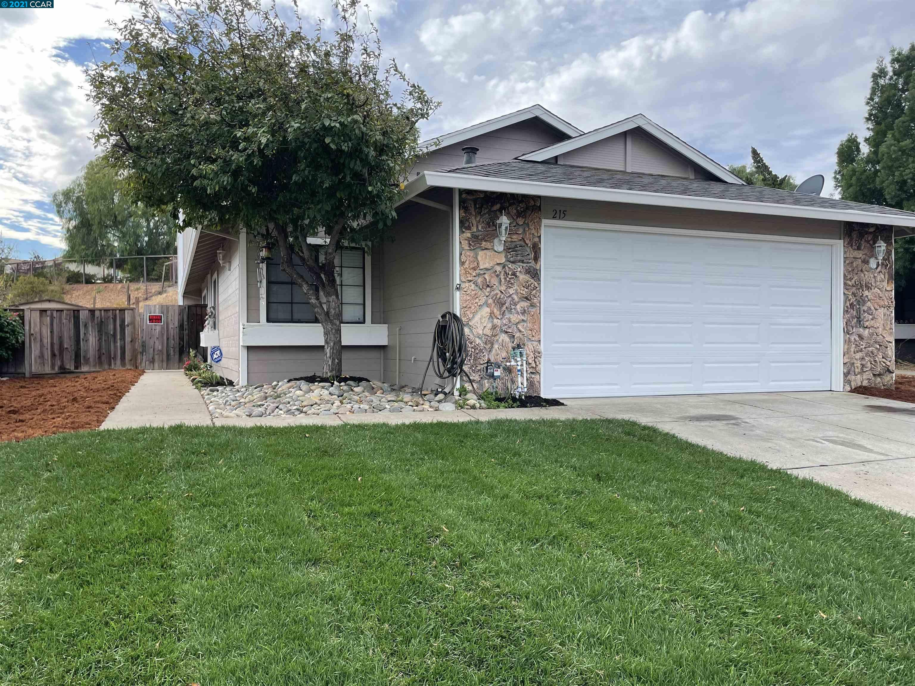 215 Azores Ct, BAY POINT, CA 94565