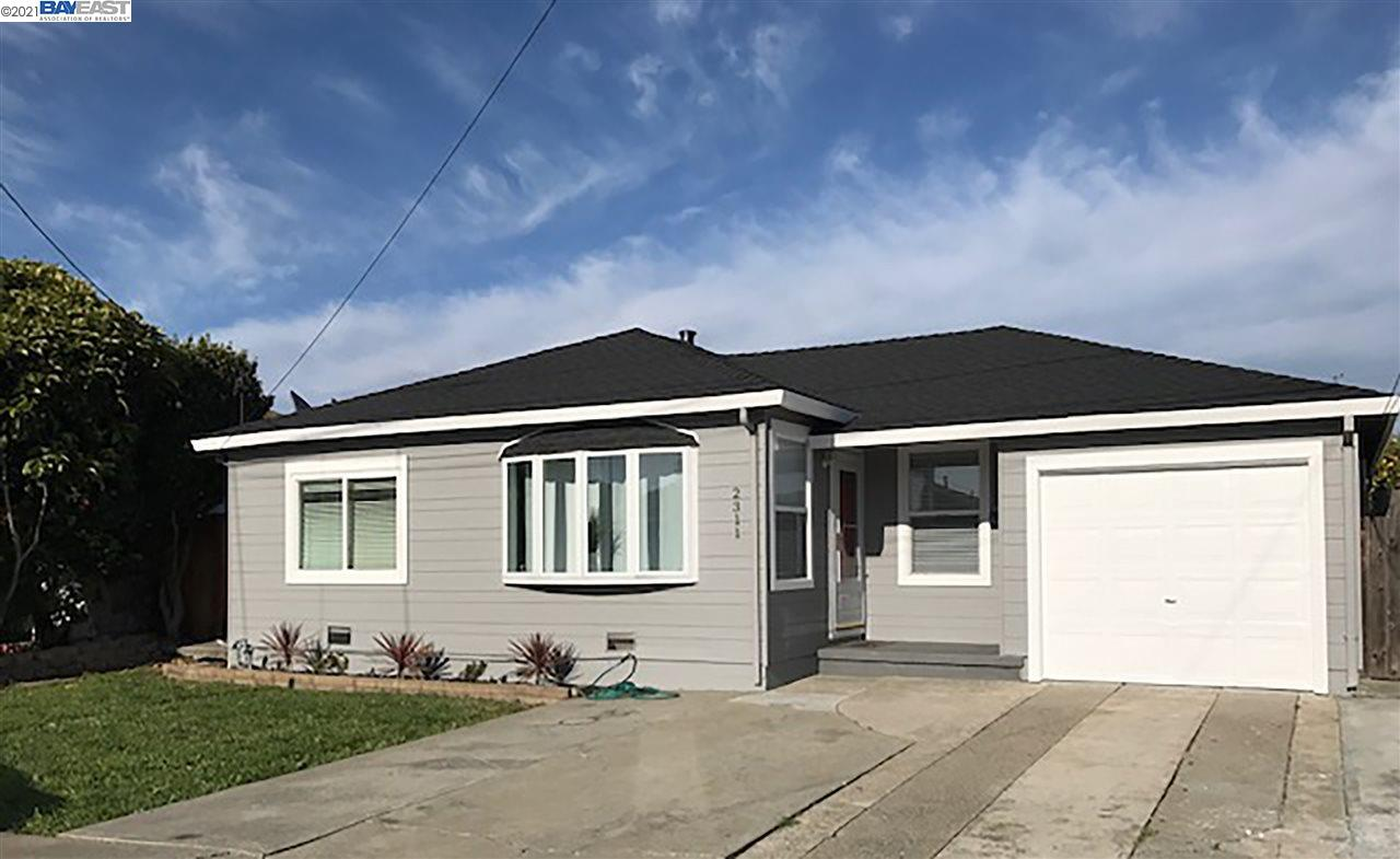 San Pablo's Rollingwood community has an opening! Centrally located to highway 80, contra costa college and multiple shopping centers, this beautiful ranch style home has 3 spacious bedrooms, 1 bathroom and a HUGE backyard (easily accessible from the attached garage). The open floor concept is complimented by the tile counter tops, laminate flooring, Dual Pane Windows and an adorable eat-in kitchen. Stainless Steel Appliances and washer and dryer included. This home is turnkey and in close proximity of highway 80, shopping and restaurants. How soon would you like to move in?