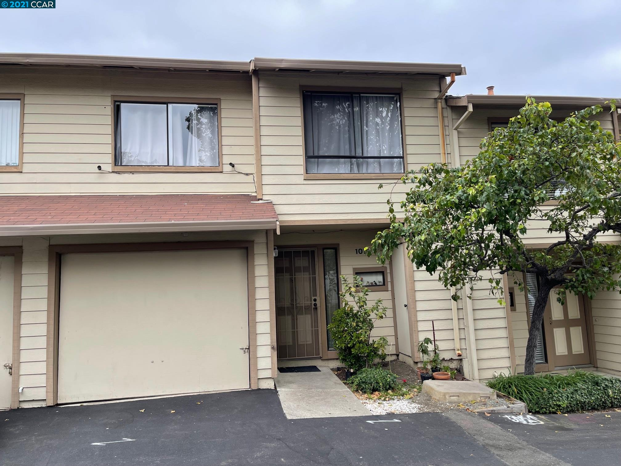 Don't miss this rare affordable living in the center of City of San Pablo.  Updated and spacious three bedroom two baths condo in convenient location, close to shopping and public transportations.